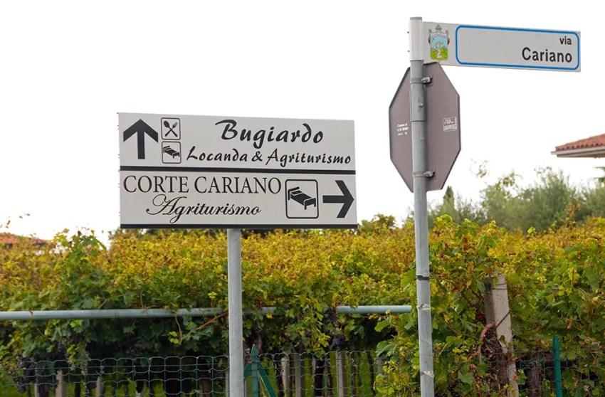 Sign for Dimora del Bugiardo