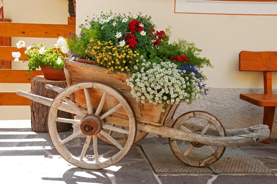 Traditional planter