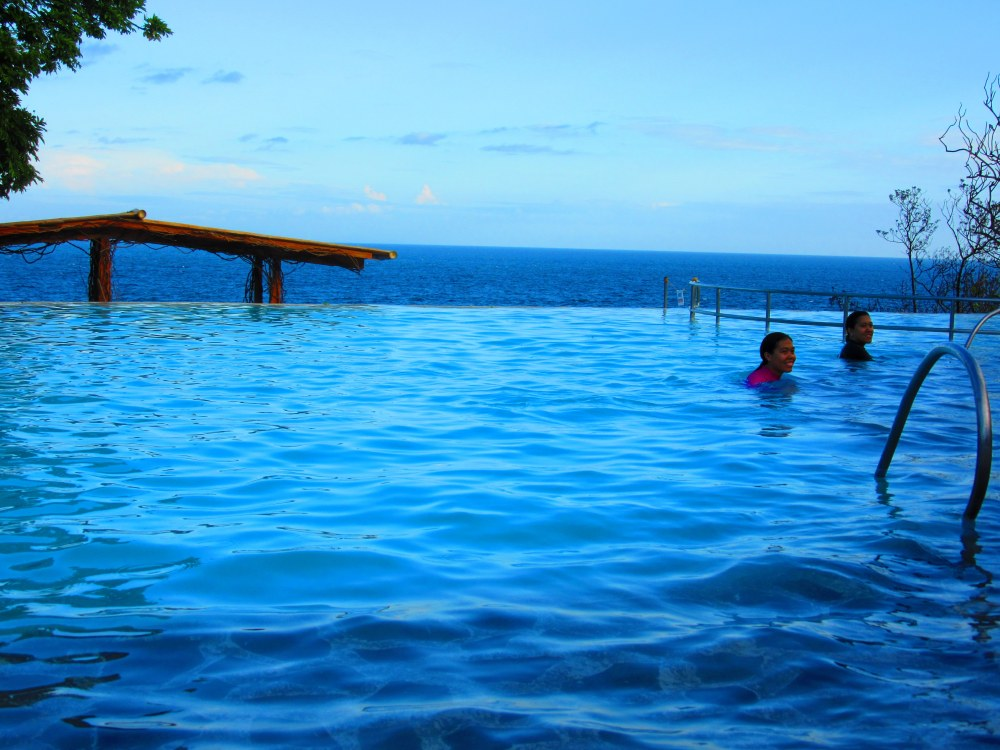Antulang Beach Resort, Dumaguete (Infinity Pool) (2/6)