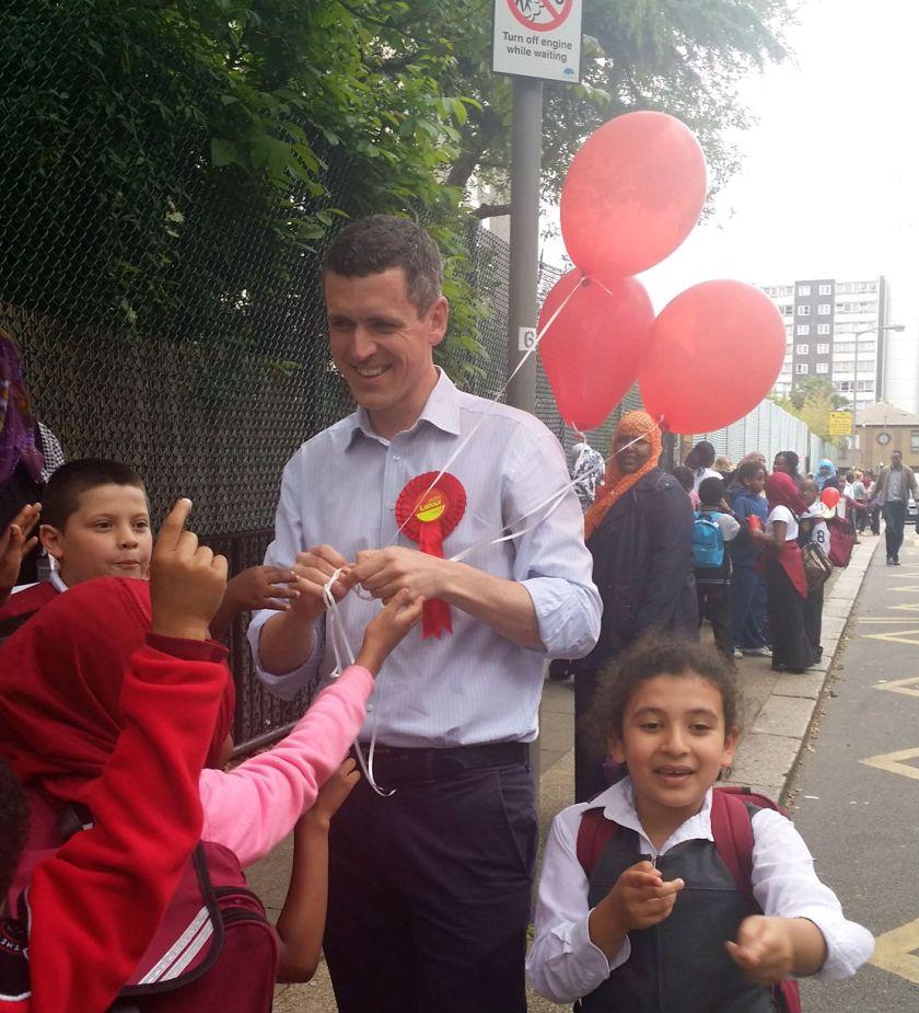 simon and balloons school gate
