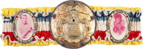 "Ceinture de champion "" Rocky 2"" : $300,000*"
