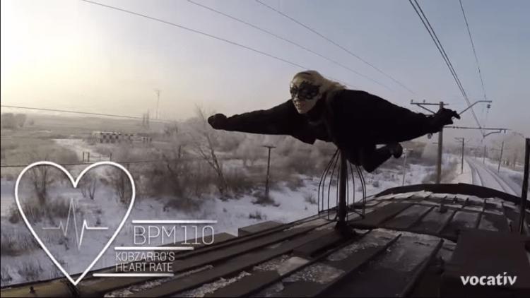 Kobzarro-trainsurfing3