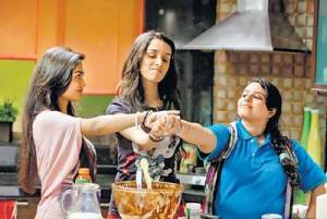 Still from Luv Ka The End - Pushtie, Sreejita & Shraddha Kapoor - bollywood sidekicks