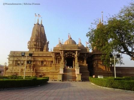 Swaminarayan temple-mumbai weekend getaway silvassa