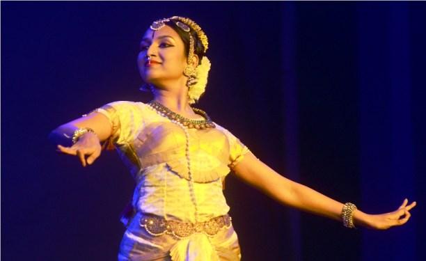 Mumbai arts theatre - Hamsoham Kuchipudi by Bhavana Reddy during the NCPA Mudra Dance Festival 2016 at Experimental Theatre