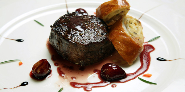 Hotel_Boskin steak with roasted shallots