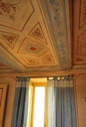 authentieke muurschilderingen in de slaapkamer
