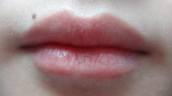 a plain lip