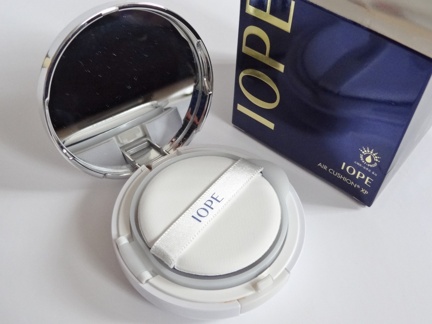 REVIEW: IOPE Air Cushion XP (No.C21 Cover Vanilla)