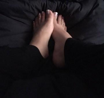 queen-daisy-feet-1