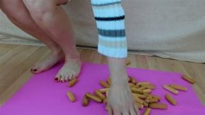 Amber Barefoot Hard Biscuit Crush