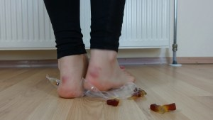 Crystal Barefoot Jelly Candy Crush