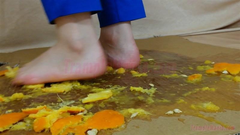 50 Full HD Food Crushing Videos