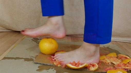 Carmen's 10 Full HD Food Crush Videos