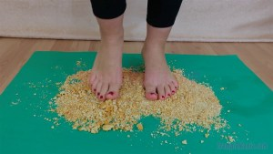 Caroline Barefoot Crackers Crush