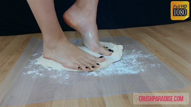 Crystal's Bare Feet Pizza Dough Crush