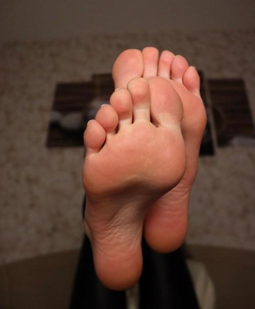 Becky Foot Model