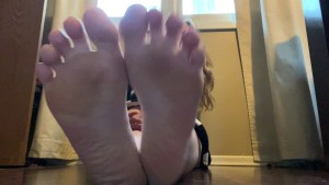 Leilanis Sexy Feet and Soles
