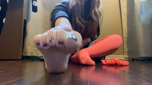 Leilanis Sexy Stockings and Feet