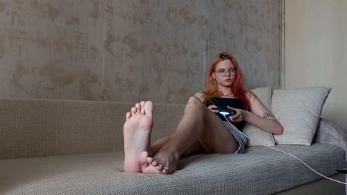 Russian Gamer Girls Perfect Feet
