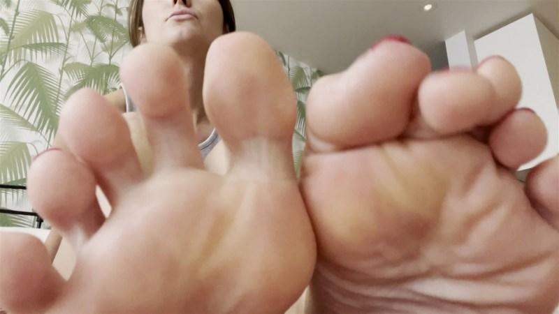 Cum for Christinas Sexy Feet