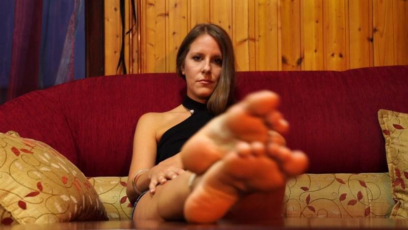 Worship Sandras Feet