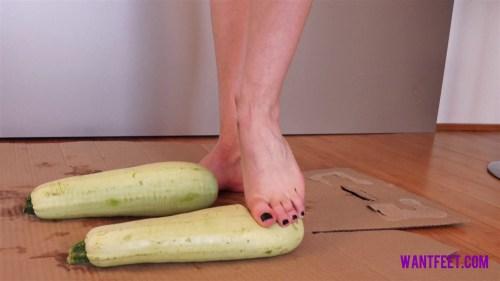 Vikys Barefoot Zucchini Crush
