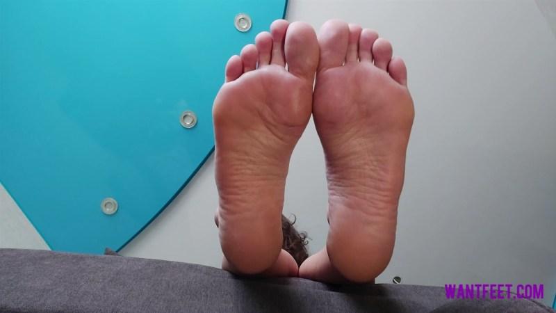 Under Russian Goddesss Big Feet