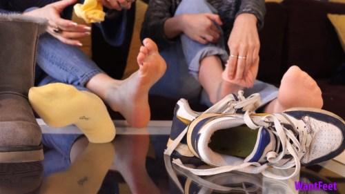 Viky and Jasmines Sweaty Feet