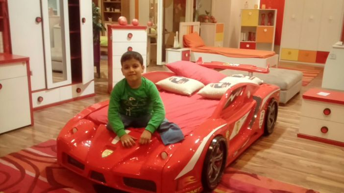 Little Muhammad in a shop