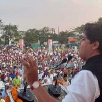 سیاست میں ہر مظلوم کے حقوق کی جنگ اور اقلیتوں کی آواز اٹھانے آیا ہوں۔عمران پرتاپ گڑھی