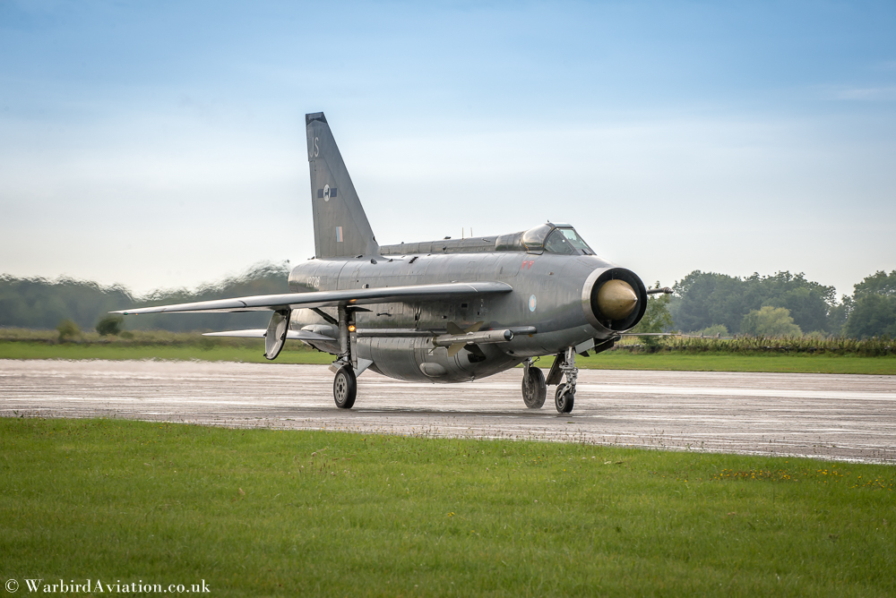 English Electric Lightning F6 XR728 - Cold War Jets