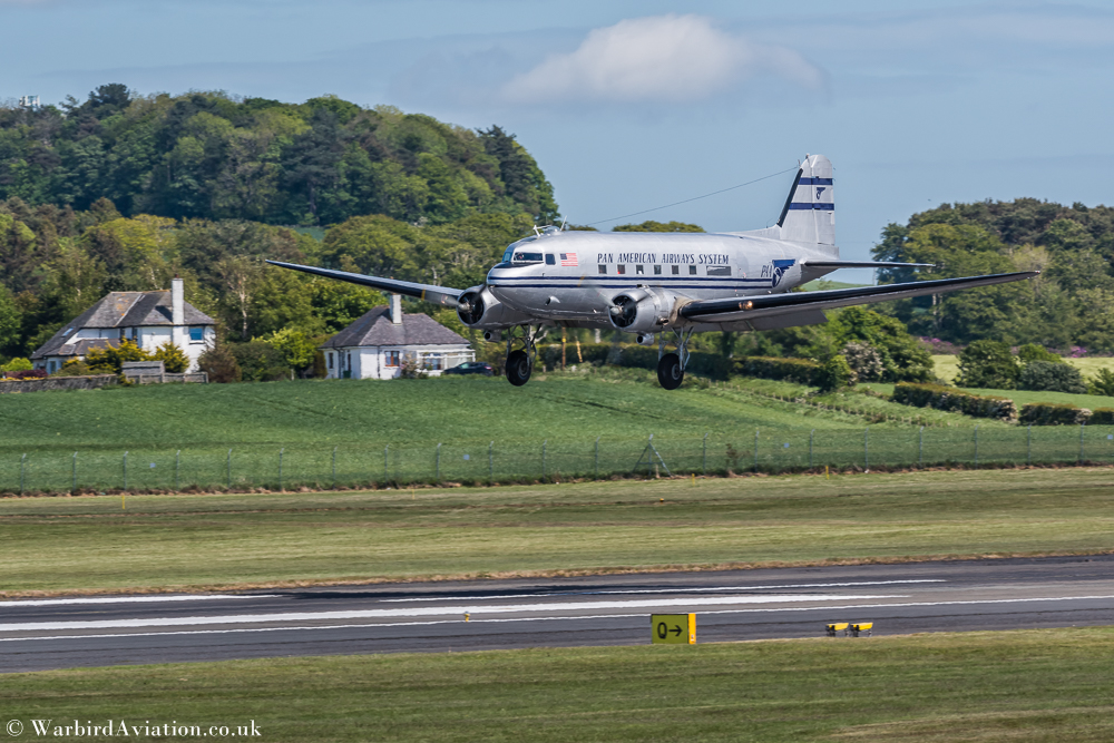 N877MG Pan American Airways Systems landing at Prestwick for Daks over Prestwick