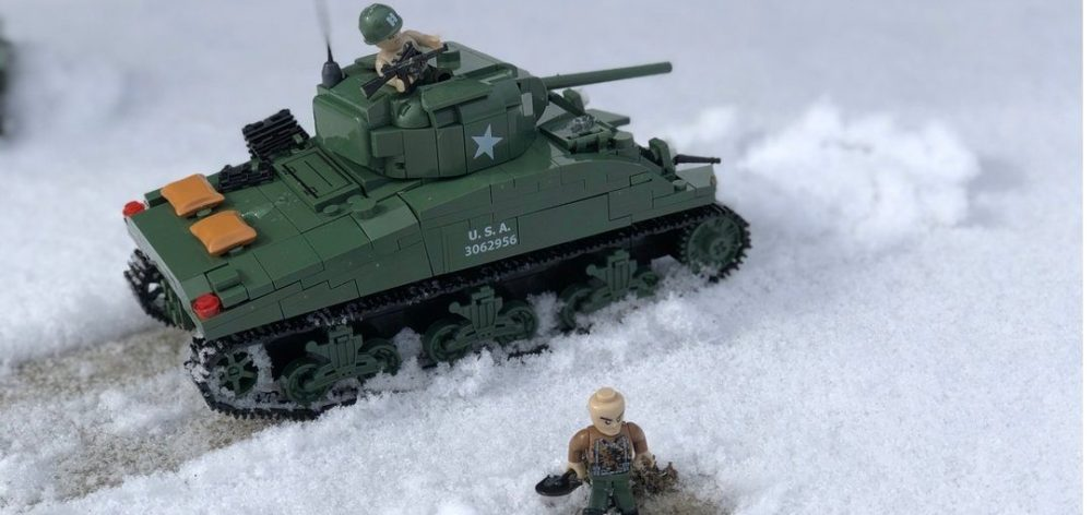 Cobi M4A1 Sherman Battle of the Bulge Pictures