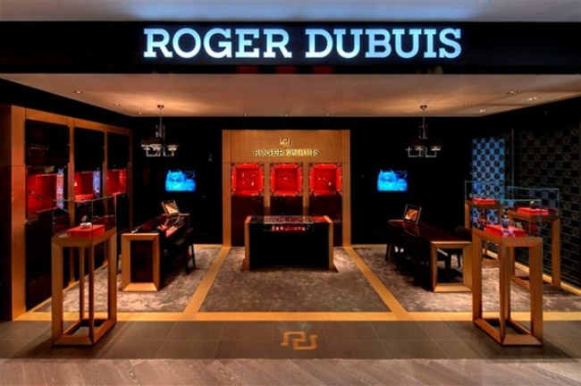 WTFSG_sincere-fine-watches-boutique-scotts-square_Roger-Dubuis