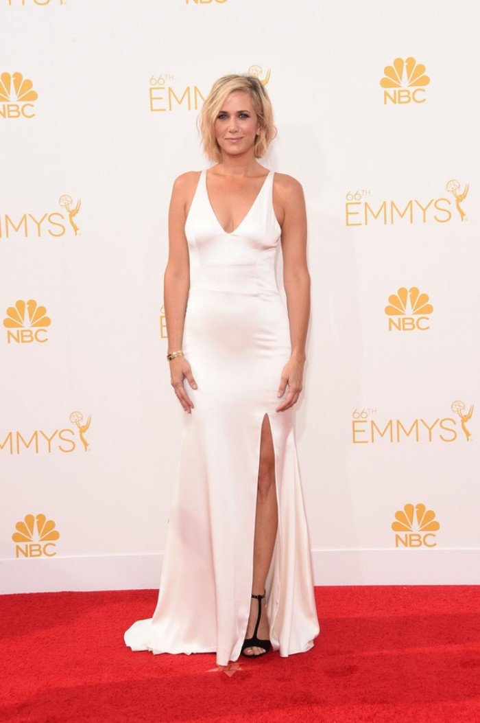 WTFSG-emmys-2014-red-carpet-kristen-wiig-white