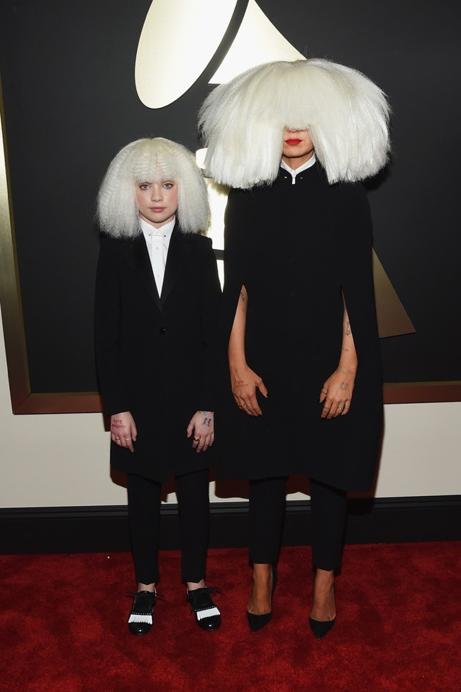 WTFSG_2015-grammy-awards-red-carpet-style_Maddie-Zielgler_Sia