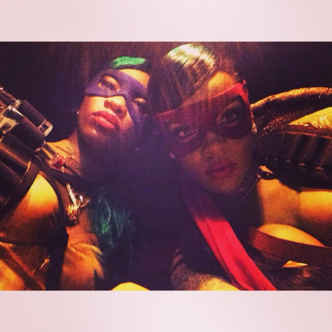 WTFSG_rihanna-ninja-turtles-costume