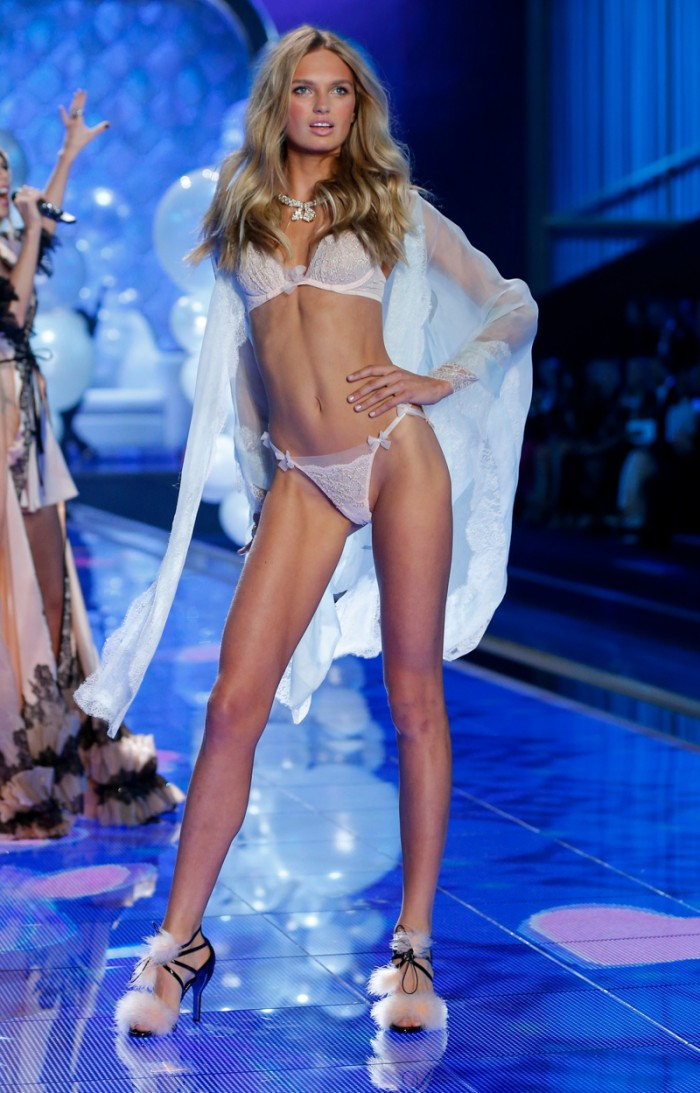 WTFSG_victorias-secret-new-angels-2015_romee-strijd