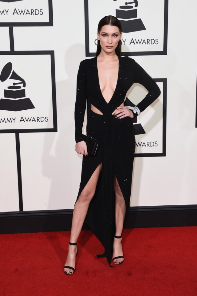 WTFSG_2016-grammy-awards-red-carpet_Bella-Hadid