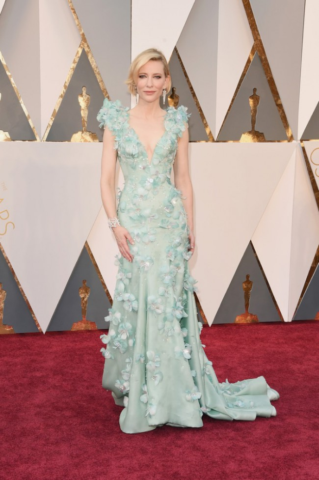 WTFSG_Cate-Blanchett-2016-Oscars-Armani-Prive-Gown