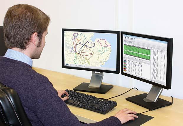 TruckStops-on-dual-screen-with-operator