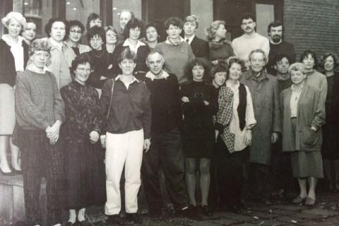 Filiaalhoofden OBA in 1988; voorste rij 2e van rechts Wim de la Court