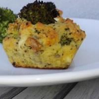 Muffiny z brokułami i fetą