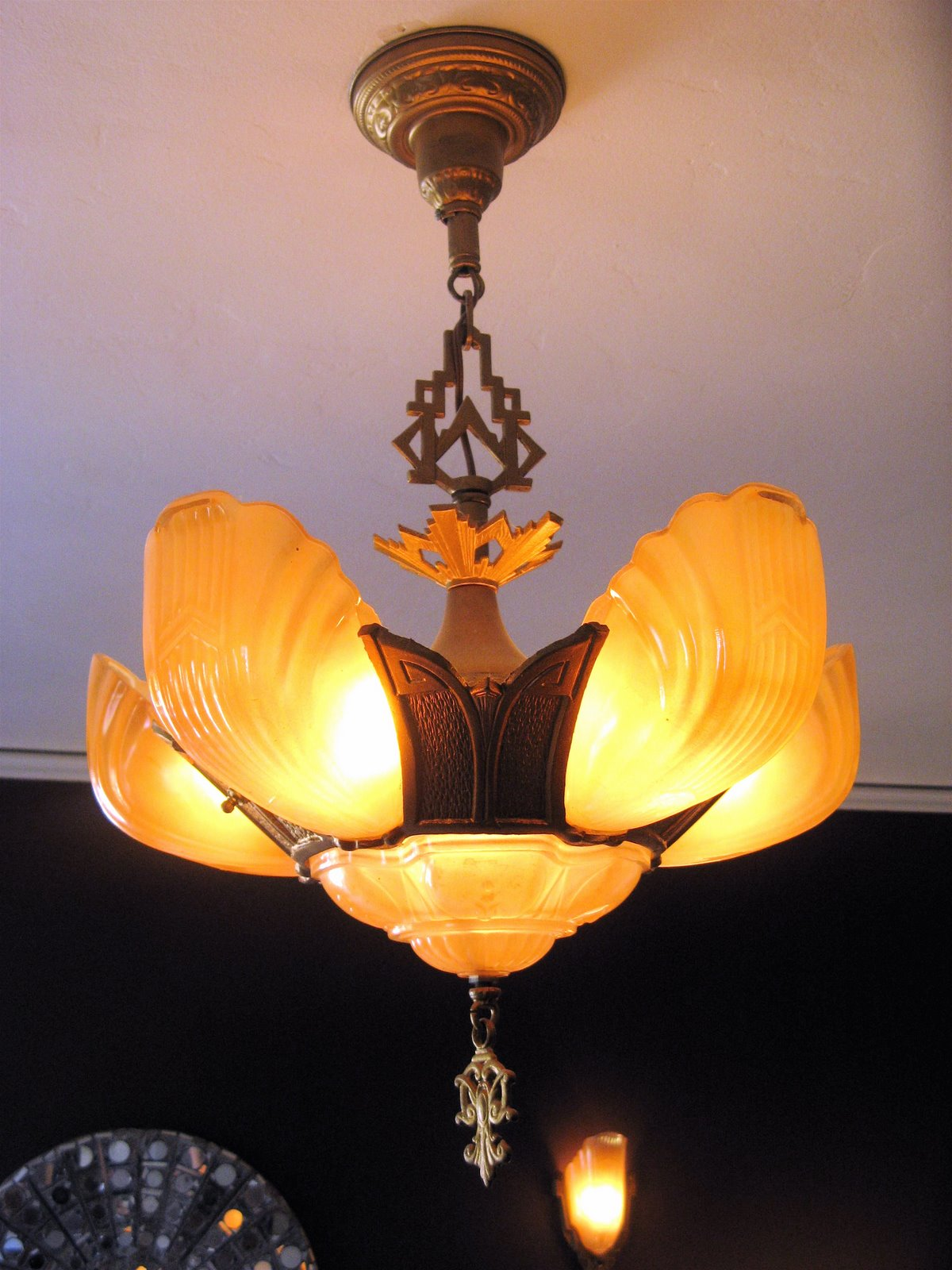 10 Reasons To Install Art Deco Outdoor Lighting Warisan