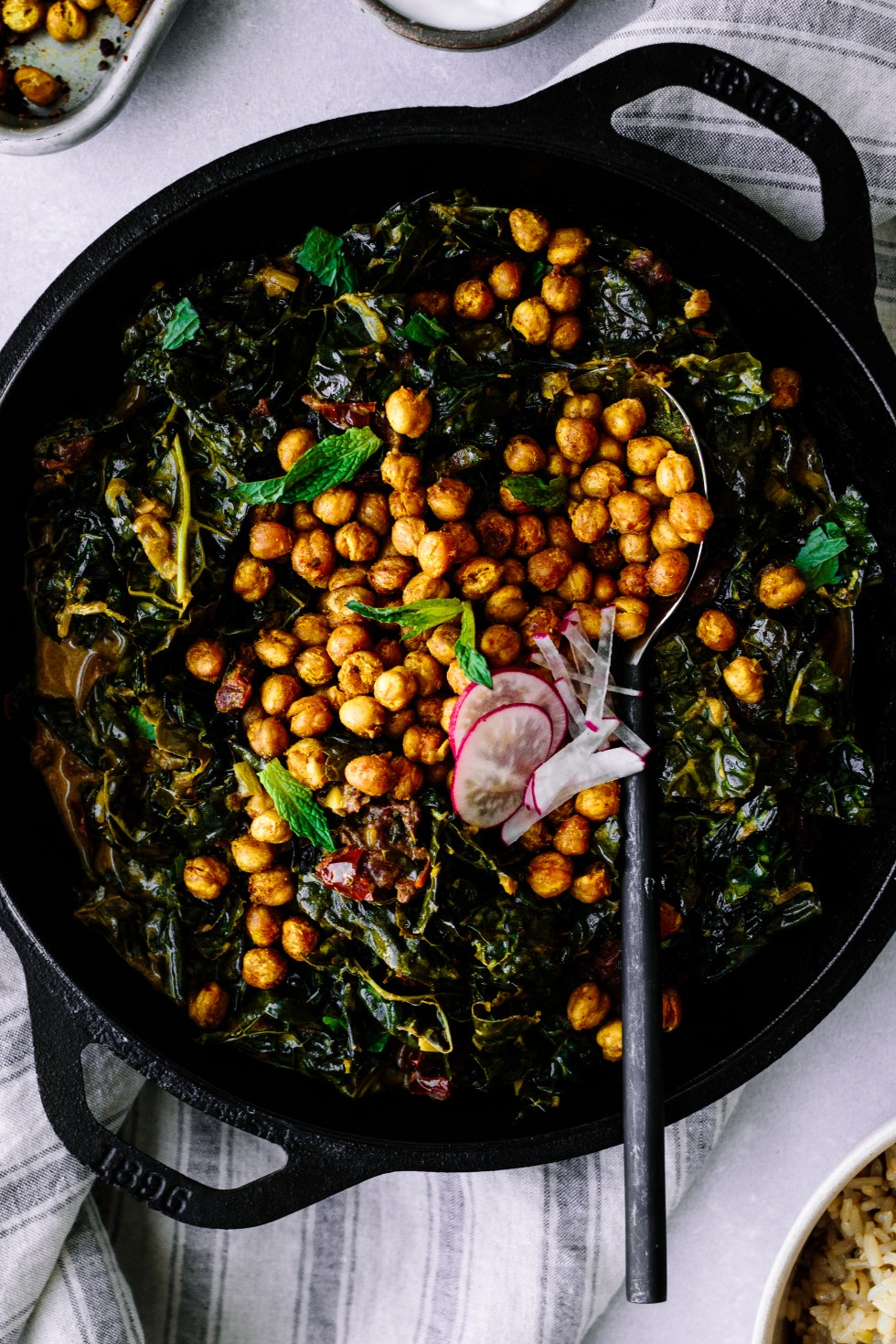 Coconut Creamed Kale with Sundried Tomatoes + Crispy Chickpeas — warmandrosy.com