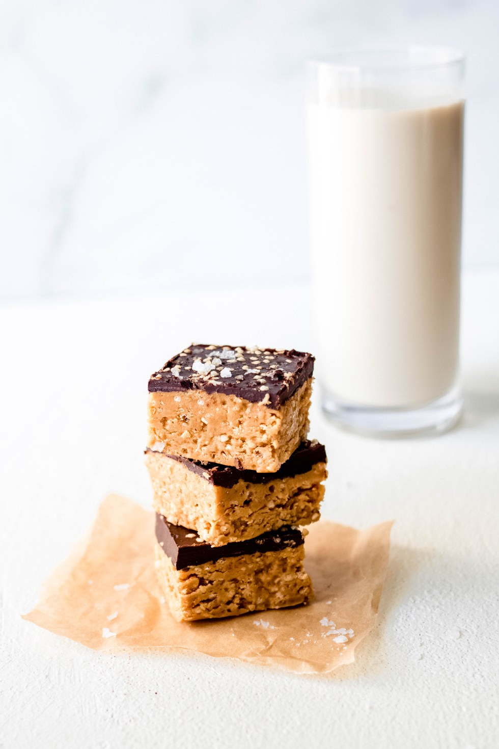 Crunchy Peanut Butter Chocolate Quinoa Bars — warmandrosy.com