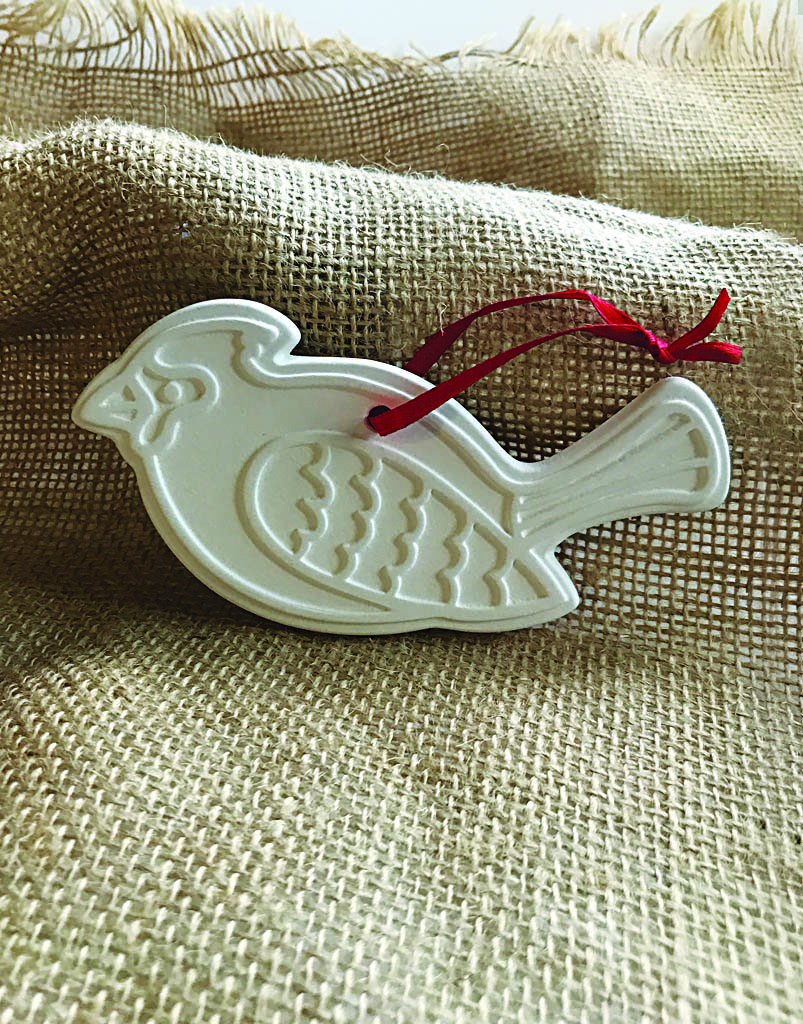 Time & Again Ceramic Ornament – Cardinal