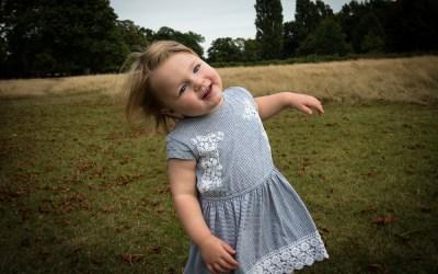 First autumn photo shoot: a toddler in Bushy Park