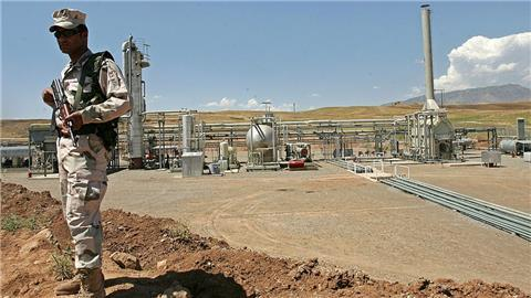 Iranians and Iraqi Kurds work on 250,000 barrel oil deal